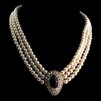 Vtg Triple Strand Fx Pearl Rhinestone Black Glass Pendant NECKLACE Choker