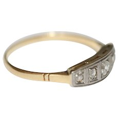 Art Deco 18 Carat Gold Platinum Diamond Ring - circa 1925