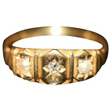 Antique English Victorian 18 carat Gold Diamond Pearl Ring