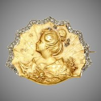 Fine Art Nouveau French Brooch Signed  Comte Prosper d'Epinay de Briort Circa 1905-1915, 18 Carat Gold