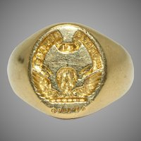 """Scottish Clan Carruthers """"Promptus Et Fidelis"""" Signet Ring 18 Carat Gold Dated 1978"""