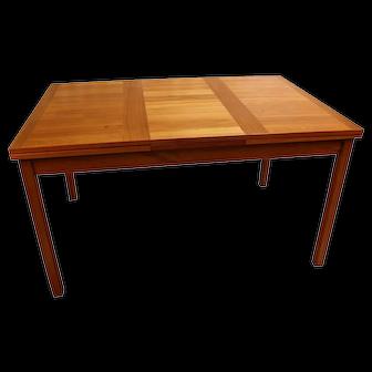 Danish Modern Teak Extendable Dining Table Vejle Stole Møbelfabrik