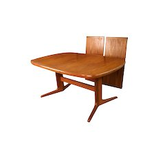Mid Century Modern Expandable Teak Dining Table