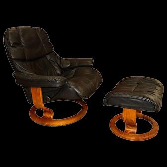 Mid Century Scandinavian Modern Ekornes Stressless Recliner Chair and Ottoman