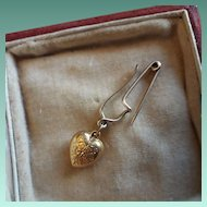 Cutest Antique Victorian Hallmarked 9ct Gold Puffy Heart on Pin