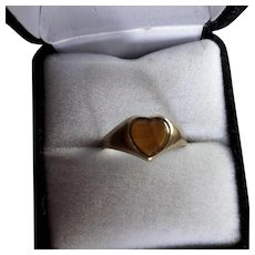 Lovely English Vintage 9ct Gold Heart Tigers Eye Signet Ring