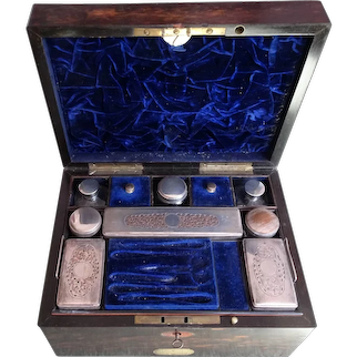 Vanity box. Dressing table box. Coromandel dressing box. Ladies vanity box.