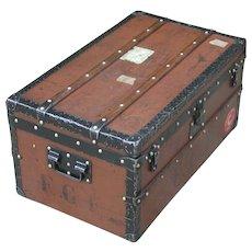 Louis Vuitton. Louis Vuitton trunk. Vintage Louis Vuitton trunk. Vintage luggage.