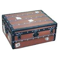 Louis Vuitton trunk. Vintage Louis Vuitton trunk. Luggage. Louis Vuitton.