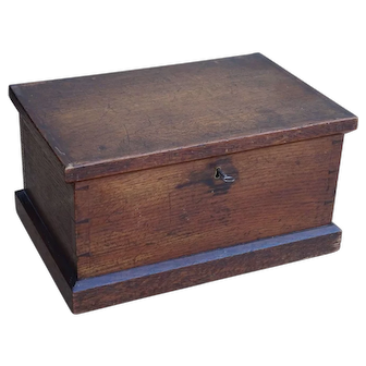 Blanket box. Miniature size blanket box. Oak box. Blanket chest.