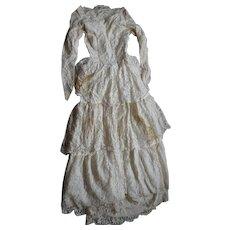 Wedding dress. Vintage wedding dress.