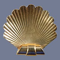 14 Karat Shell Pin