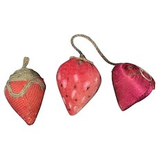 Antique Victorian 3 Piece Strawberry Sewing Emory Accessory