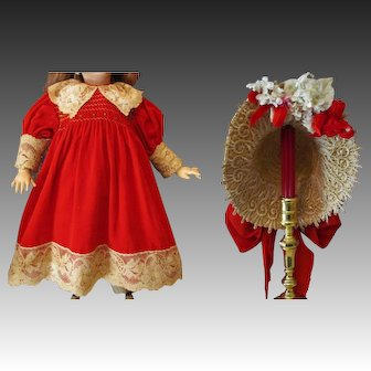 "Very sweet Dress with matching Bonnet fits your 26-27"" German or French Antique or Reproduction Doll"