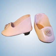 """French or German  Fashion Doll Heeled  Slippers Shoes Pale Pink Leather  ~~ 2 1/2""""long & 1 1/4"""" wide ~~"""