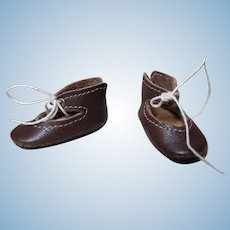 """French or German Doll Shoes Brown Leather Shoes. Hard to find Very Tiny! ~ 1 3/8"""" long  & 5/8"""" wide ~~"""