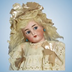 28 inch  Kammer & Reinhardt Flirty/ Sleep grey eyes Antique German Doll K * R