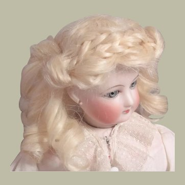 "Pale Blond Mohair Wig French Bebe German Fashion Doll ~~ Head circumference 6"" -7"""