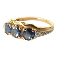Gold ( 18ct.) ring with sapphires(3)/diamonds(6), vintage, 1970 -1980.
