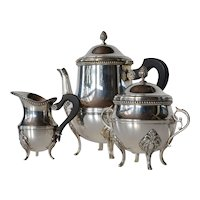 A French silver-plate 3 piece tea set, Orfèvrerie Ercuis, Paris, 1950 c.