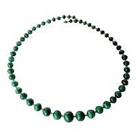 A vintage graduated bead malachite necklace.