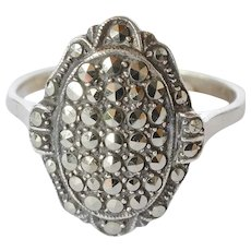 A silver(925) marcasite stone set art deco ring.