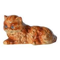 A vintage porcelain Goebel cat, 1985c.