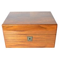 Vintage Davidoff wooden humidor.