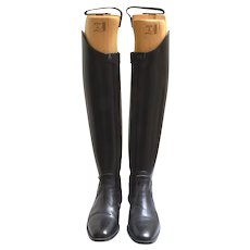 Vintage Tucci ( Italy) tall leather handmade riding boots.