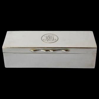 An Edwardian silver gentleman's pill box, J.C.Vickery, London, 1907.