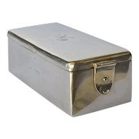 An Edwardian silver gentleman's toilet box, Cohen & Charles, London, 1901.