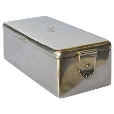 An Edwardian silver gentleman's toilet box, Cohen & Charles, London, 1901.