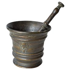 Antique bronze  mortar and pestle, 18th. century.