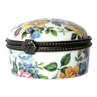 Vintage Limoges hand painted, lidded, pill box.