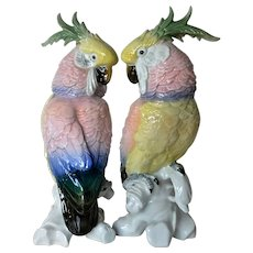 Karl Ens, pair of porcelain cockatoos, 1900-1919.