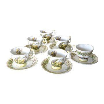Royal Doulton , Brambly Hedge :miniature cups/saucers set, Jill Barklem, 1983.