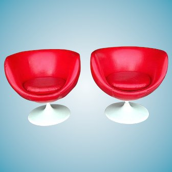 Pair Of Mid Century Modern Red Vinyl Egg Shell Swivel Tub Chairs