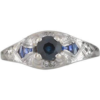 Vintage Sapphire diamond Engagement ring .50ct natural sapphire center. 18kt white gold. Art deco. Guaranteed. Full refund return policy.