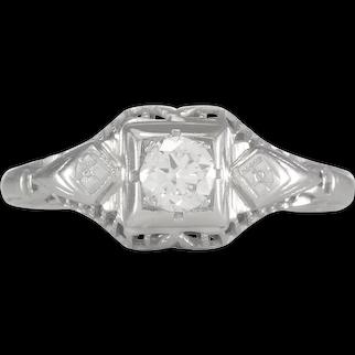 Vintage Diamond engagement ring .20 ct H-J Si1 old European cut diamond. 14kt white gold. Art deco 1930s.