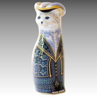 1989 Royal Crown Derby Royal Cat Pearly Queen