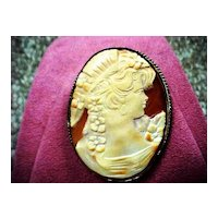 """Roaring Twenties"" Lady Cameo - Shell - Brooch/pendant"