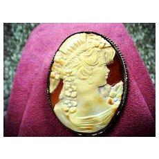 """Roaring Twenties"" Lady Cameo - Shell - Brooch/pendant"