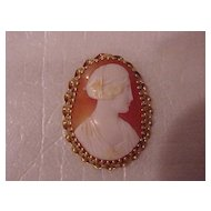 """Pear-Shaped Cameo Brooch - 14KG - early 1900's - Roman Lady"