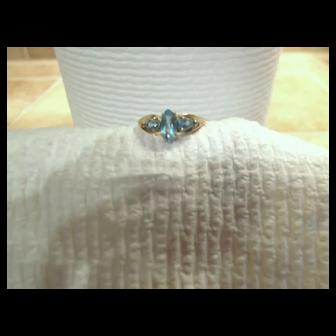 Three-stone genuine blue Topaz ring - ladies - Size 7 - 10KG