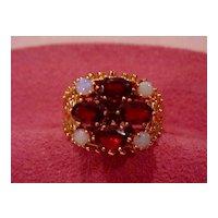 Large Ladies Genuine Garnet & Opal Ring - 14KG - Size 9 1/2