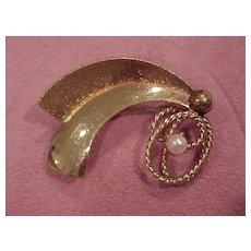 """Art Deco"" Design Brooch with Cultured Pearl - 10K GF"