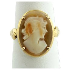 Delicate Carved Shell Cameo Ring in 14K Yellow Gold - Size 5