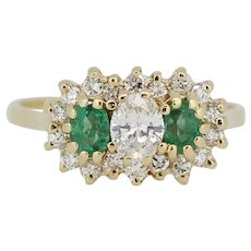 Beautiful 14kt Yellow Gold Emerald and Diamond Cluster Ring - Size 5.5