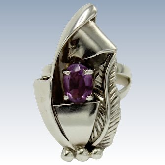 Signed GK - Contemporary Sterling Silver & Oval Purple Amethyst Ring - Size 6