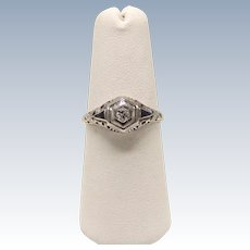 Vintage 18k White Gold .15ct Diamond and Sapphire Ring - Size 6.25
